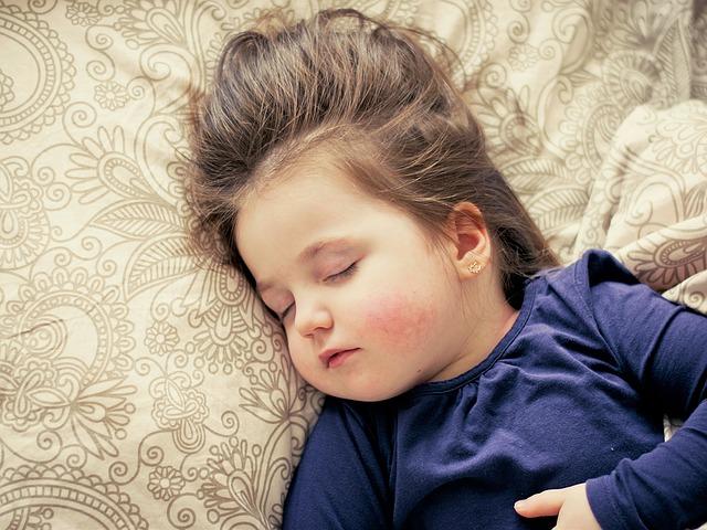 Spánek na zádech