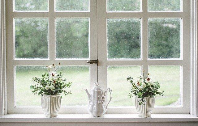 bílé okno.jpg