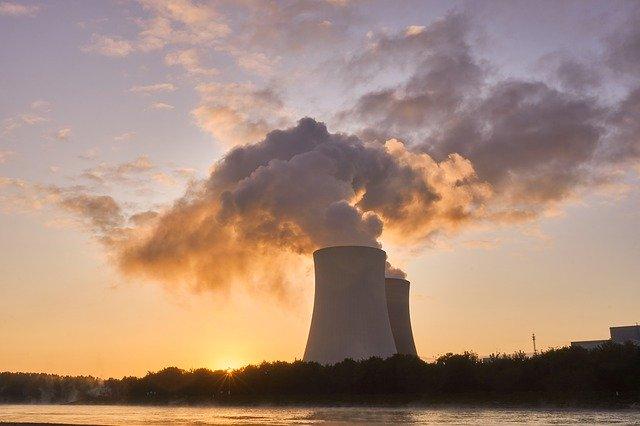 chladící věže elektrárny