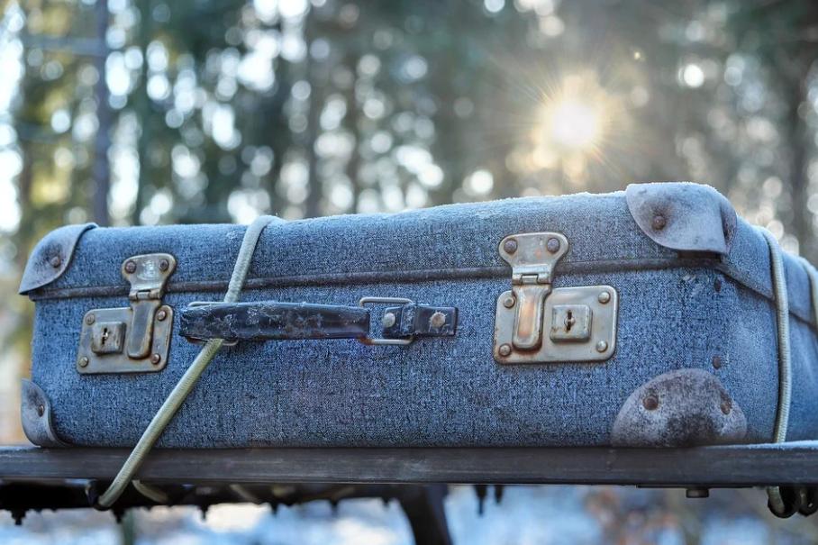 kufr na střeše auta